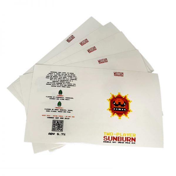Syntetiske hvite etiketter med Sol-design
