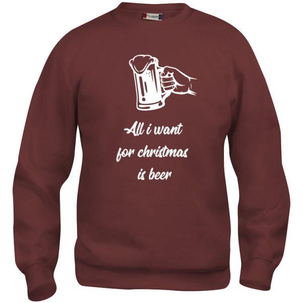 "Rød genser med ""All I want for Christmas is beer"""