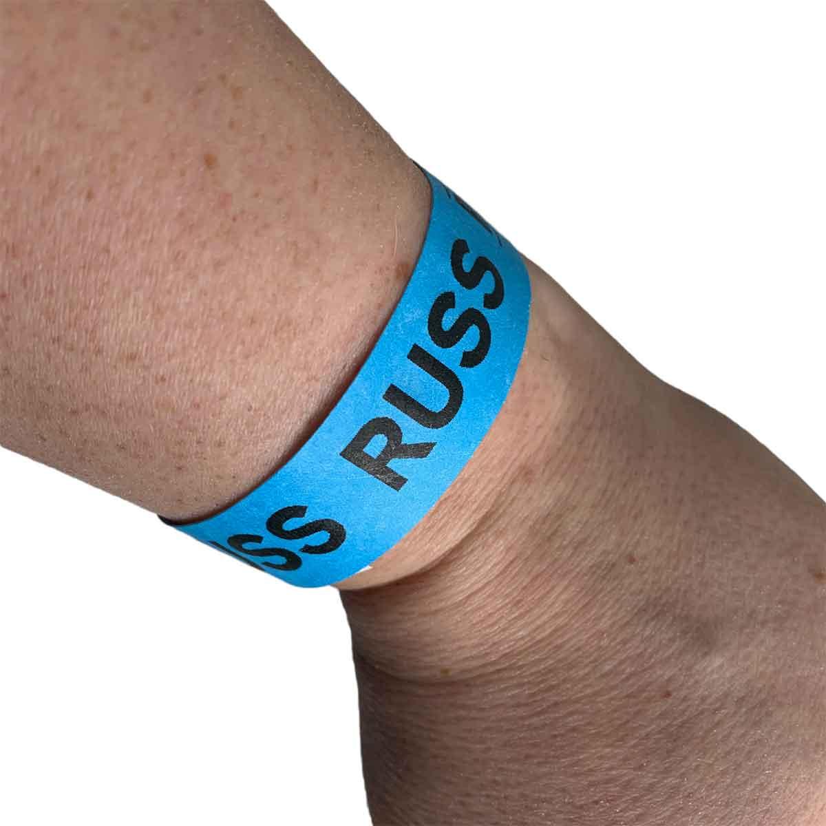 Festivalbånd til blåruss på arm