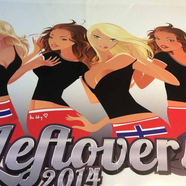"""Eksempel på bildekor til russ: 4 jenter i russeklær og teksten """"Leftovers 2014"""""""