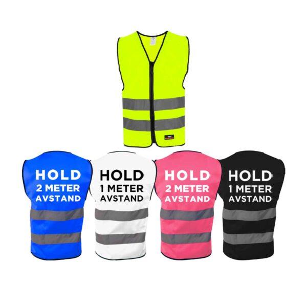 Markeringsvest i fem forskjellige farger, med Hold avstand-trykk på ryggen