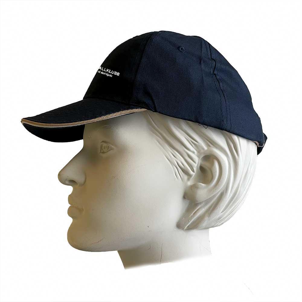 Marinefarget cap med kontrastripe rundt brem, med hvit Bøn FK-logo i front