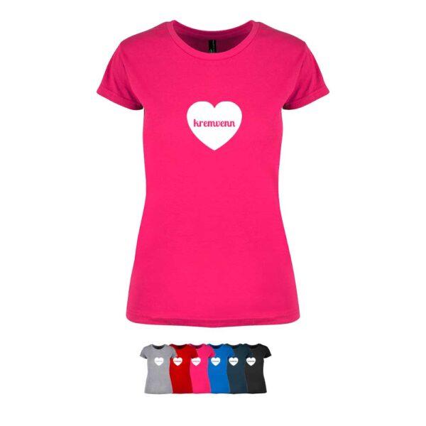 """Feminin t-skjorte i 6 forskjellige farger, med """"Kremvenn"""" i hjerte trykket på brystet"""